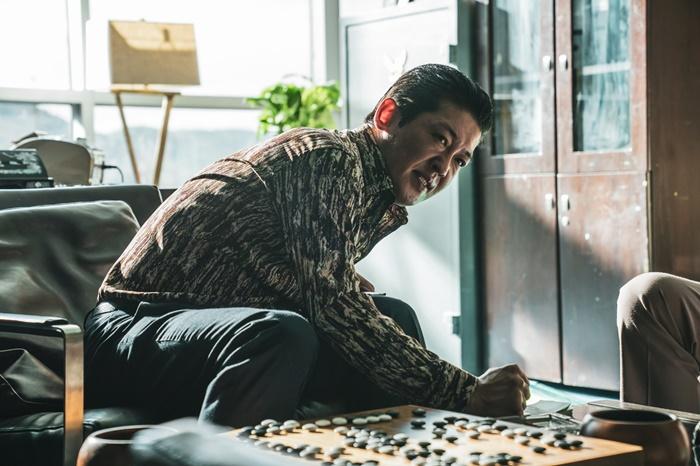 영화 '신의 한 수: 귀수편'(감독 리건)에서 부산잡초 역을 맡은 허성태 스틸컷. /CJ엔터테인먼트